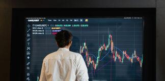 Szukanie odwróceń trendu jako główna przyczyna niepowodzeń na Forex